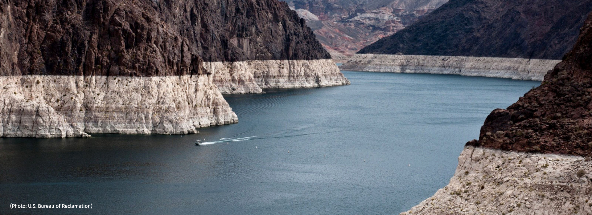 """Surface-water depletion in the Colorado River Basin has left this """"bathtub ring"""" of mineral deposits on Lake Mead, but groundwater loss is invisible. (Photo: U.S. Bureau of Reclamation)"""