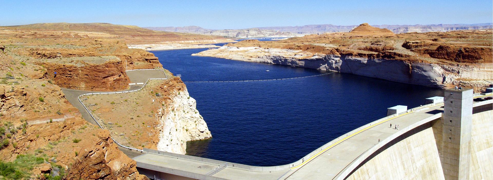 Lake Powell & Glen Canyon Dam in Arizona